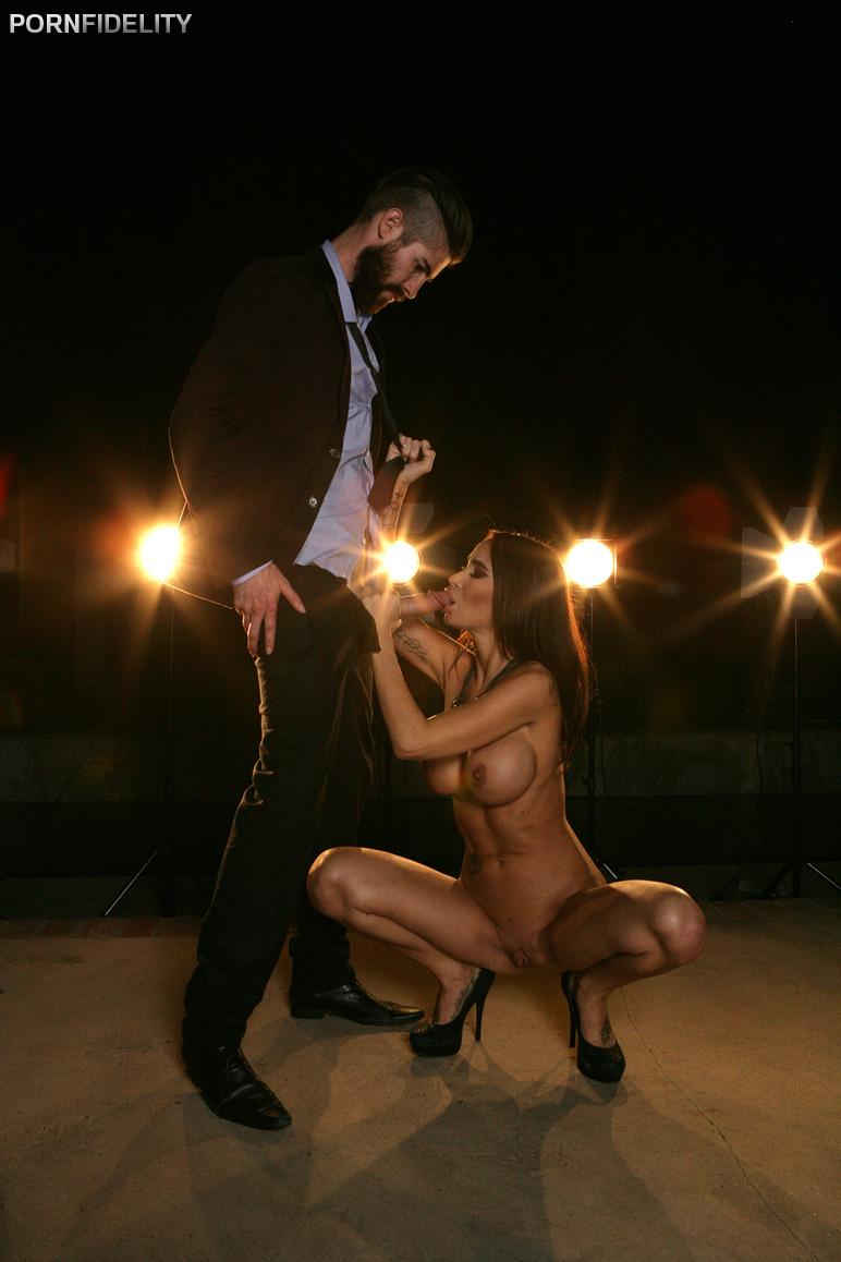 Игры жесткий секс ночью — img 3