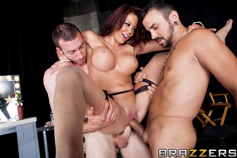 За кулисами бразерс порно онлайн — photo 5