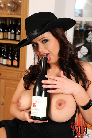 Big Czech tits and wine bottles!