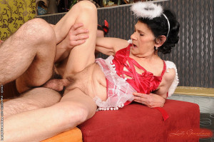 Old grandma Lauras fucking with a horny young guy