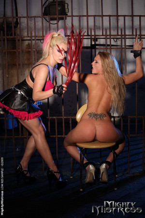 Sexy babe got captured by mistress Lee Lexxus