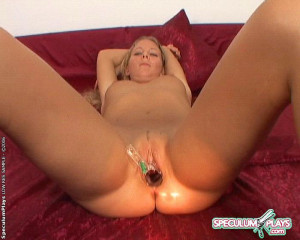 Nadja likes speculum insertions with big blowjob