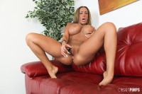 Sexy big breasted Richelle Ryan spreads her pussy lips wide to masturbate!