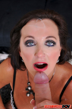 Ciera Blue flew all the way from the deep south just to suck your dick