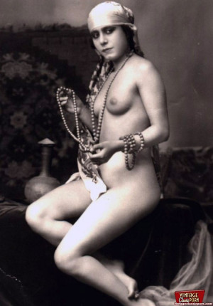 Some real vintage horny artistic erotica in the thirties