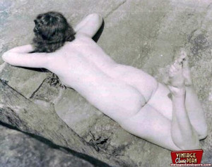 Vintage hotties showing beautiful bottoms in the thirties