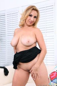Anilos.com   Freshest Mature Women On The Net Featuring Anilos Sophia Jewel 2v Alone And Frisky