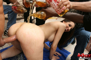 Kelly Devine – Stacked brunette Kelly gets a 40 poured on her ass