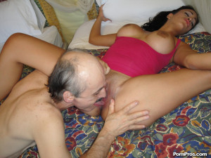 Jamie Valentine – Old geezer having fun with a stupid young slut