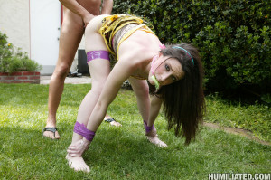 Janie Jones – Teen girl roped and fucked in the garden
