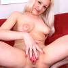 Horny chick Yanna spreads out her pussy really hard and posing really hot