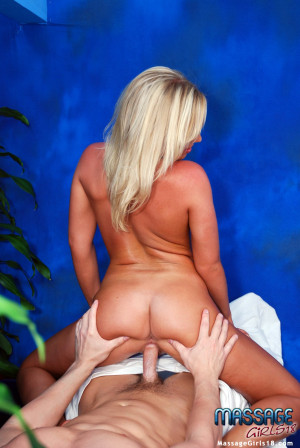 Sexy blonde gives a erotic massage with a very happy ending!