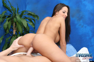 Hot and sexy brunette gives a sensual massage to her patient!