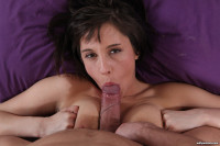 Sexy Anabelle sucks and gives a titwank