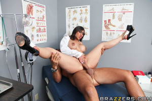 Alexis Breeze Pictures in Vagitarians do it Better