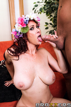 Tiffany Mynx Pictures in Fucking Mother Nature in the Ass