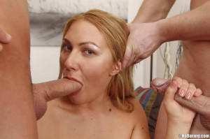 Blonde slut allows to do with her holes all that these guys want