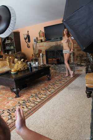 Alanah Rae behind the scenes.