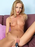 Exquisite vixen fucks dildo and buzzer to intense climax