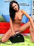 See cute teen writhe as she wraps her pussy around sybian