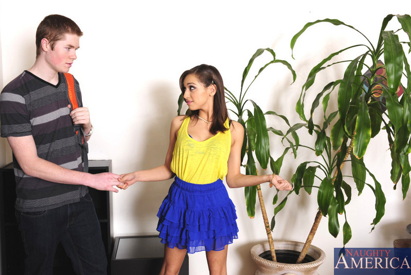 Sara Luvv Jake Taylor In Fast Times Naughty America