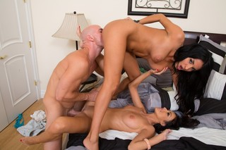 Anissa Kate, Breanne Benson & Johnny Sins in My Dad´s Hot Girlfriend - Naughty America