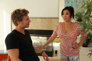 London Keyes & Michael Vegas in My Friend´s Hot Got - Naughty America