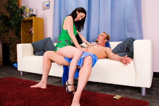 Rayveness & Jenner in My Friend´s Hot Mom - Naughty America