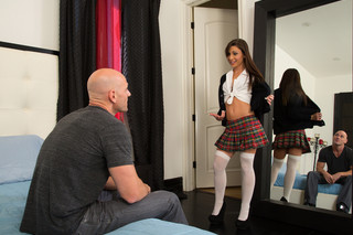 Vanessa Sixxx & Johnny Sins in My Sister´s Hot Friend - Naughty America