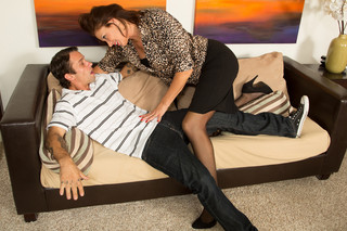 Vanessa Videl & Alan Stafford in Seduced by a Cougar - Naughty America