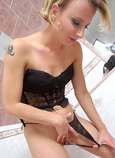 Alluring Anilos cougar delicately washes every crevice of her tantalizing pussy in the bath tub