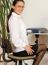 Linda Brown  Sinful anilos milf linda brown strips down in the office and displays her enticing pink