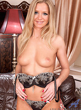 Louise Dakotah  Tempting Anilos Louise Dakotah shows off her luscious tits and hot mature pussy