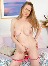 Luscious Anilos cougar Midori feeds her hungry milf pussy with a long thick vibrator