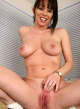 Rayveness  Wild anilos rayveness fingers her juicy milf pussy on top of kitchen sink