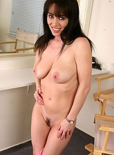 Rayveness  Slutty mature thrust her purple toys on her hairy pussy before she puts it deep in her pussy