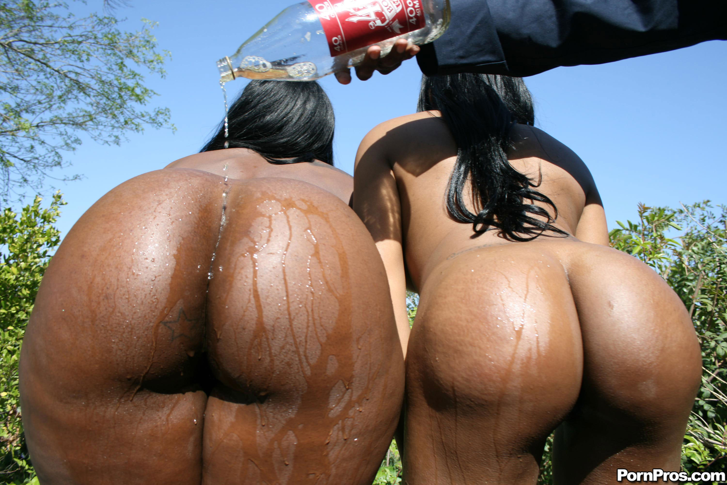 Nasty ebony threesome