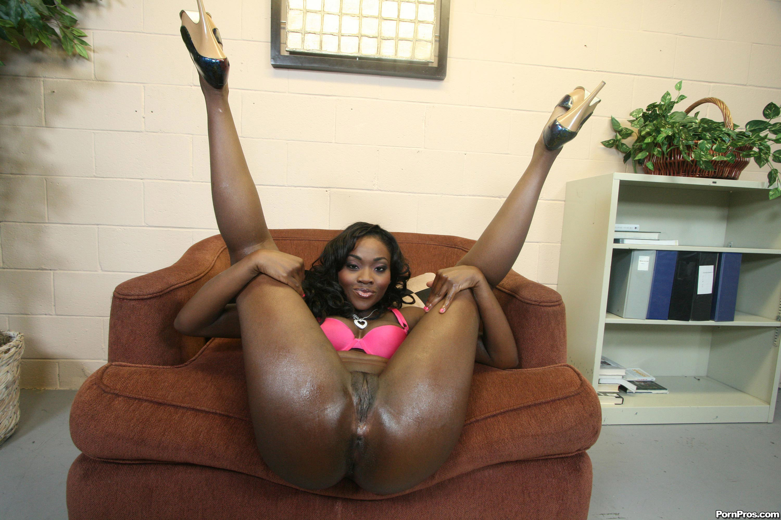 Osa Lovely Chocolate Booty Nurse Gets Big Fat Cock Force Up Her