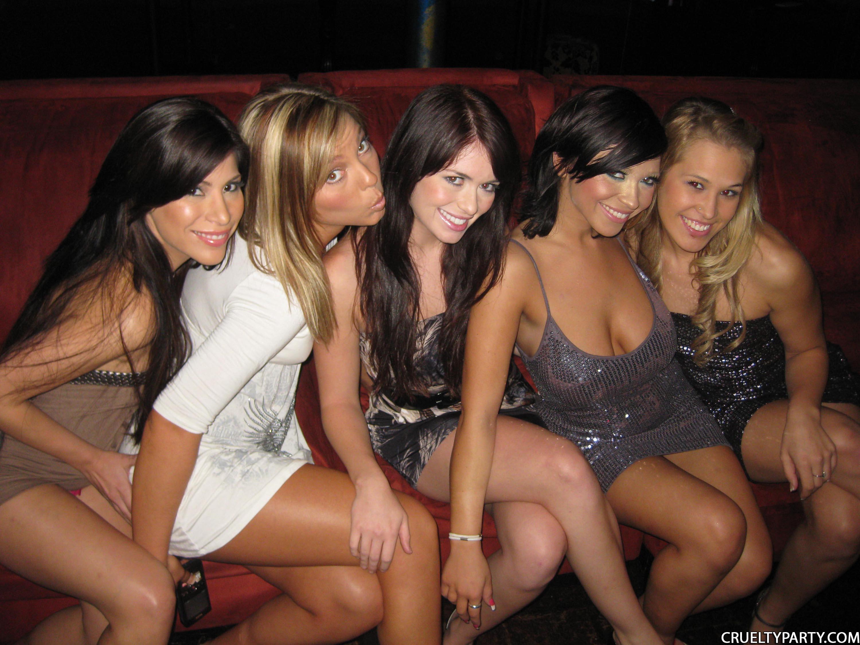 Телки вип клубах, Вечеринка в клубе - 61 видео. Смотреть вечеринка в клубе 19 фотография