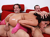 Vicky Chase - Blindfolded cunt deepthroating two loaded cocks