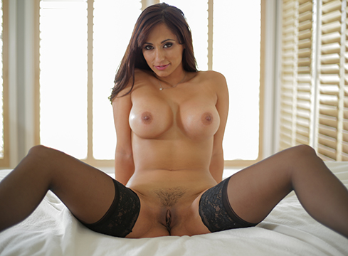 Reena Sky Reena Sky on PureMature.com (2015-10-22 04:00)