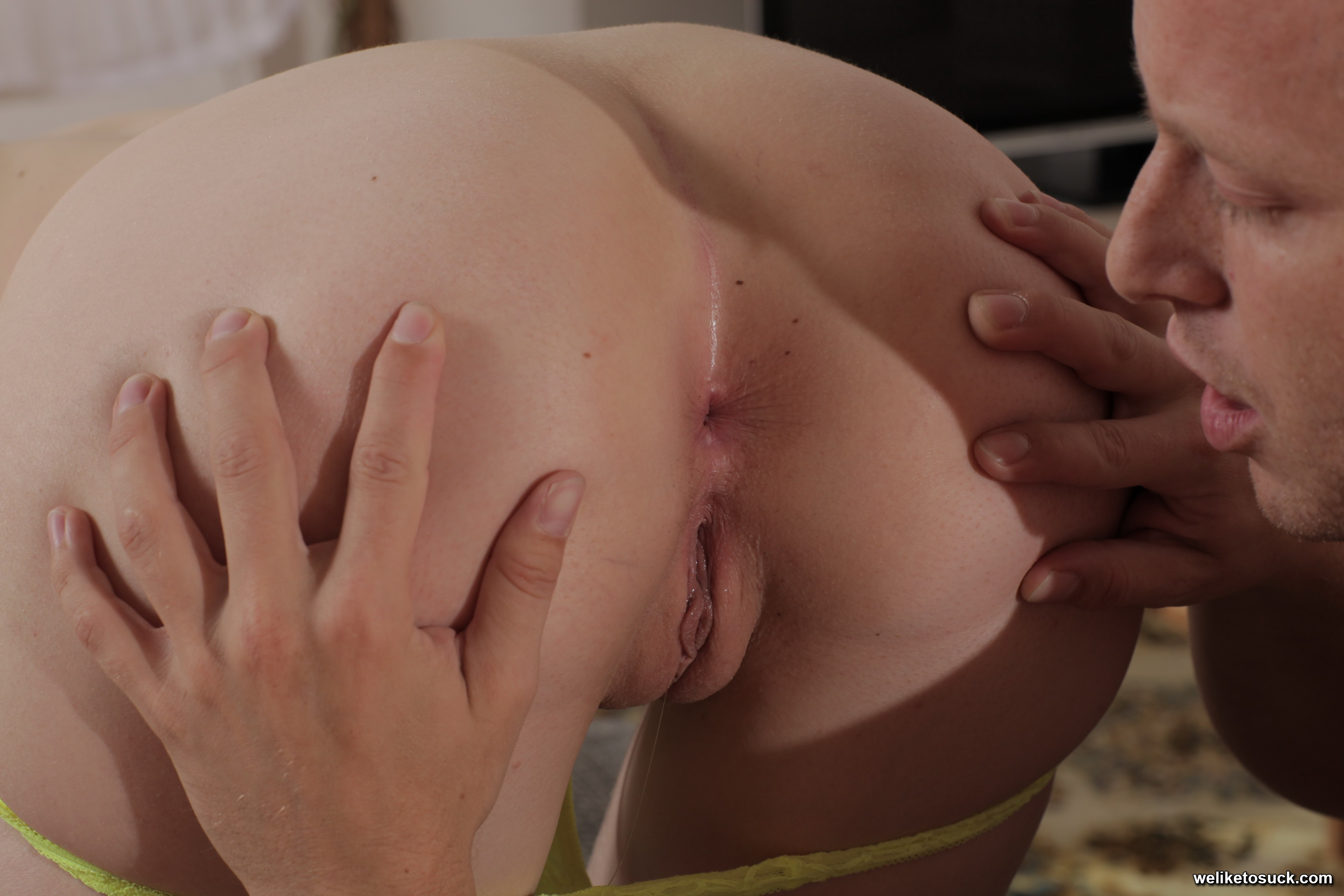 Cock sucking with a horny inmate 9