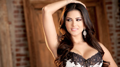 Sunny Leone Pictures in Ecstatic Orgasm