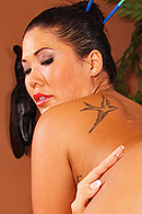 London Keyes, Jessica Jaymes Pictures in Masseuse Muff Munchers