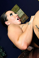 Kelly Divine Pictures in Creampie On A Divine Ass