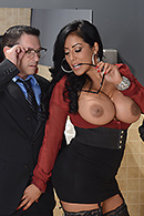 Kiara Mia Pictures in My Boss Is A Creep
