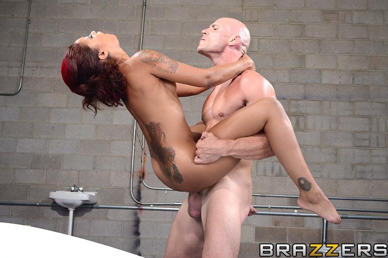 Порно фото с джонни синсом