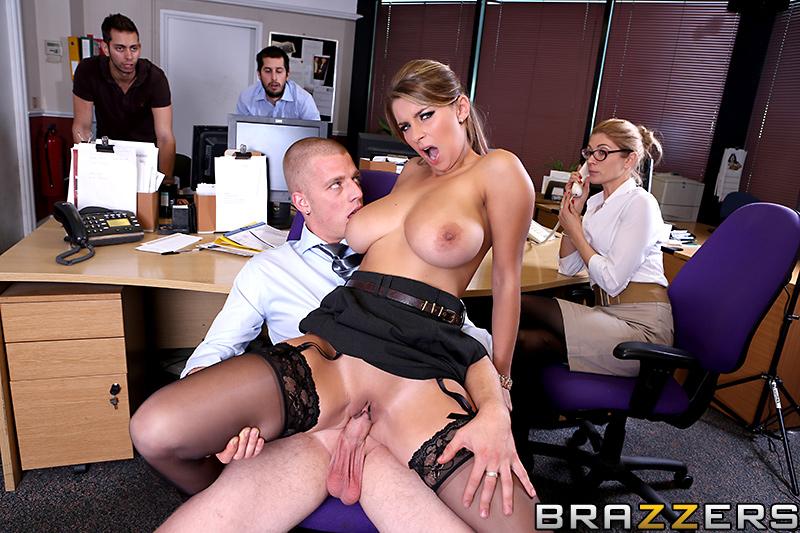порно видео сиськи в офисе