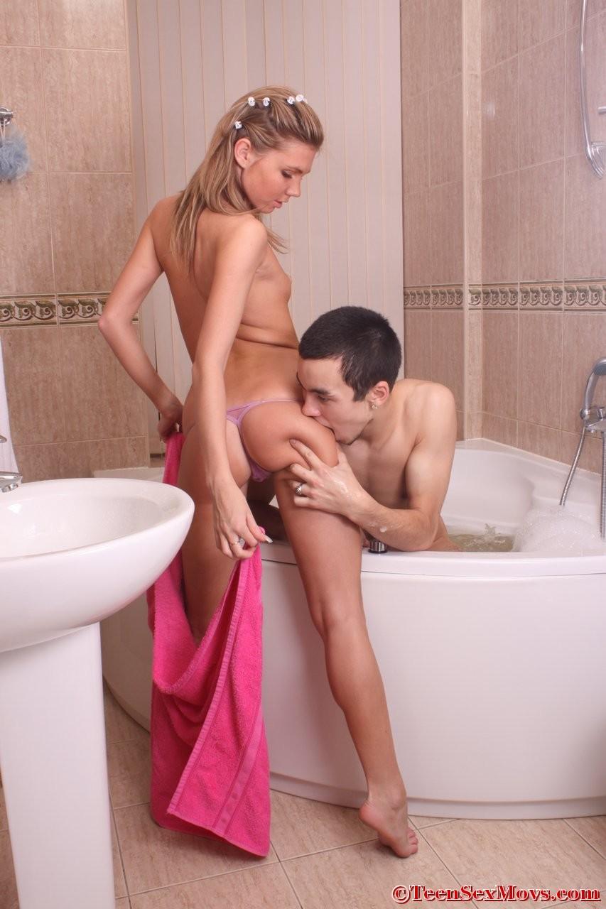 застукал в ванной русское порно онлайн трахал