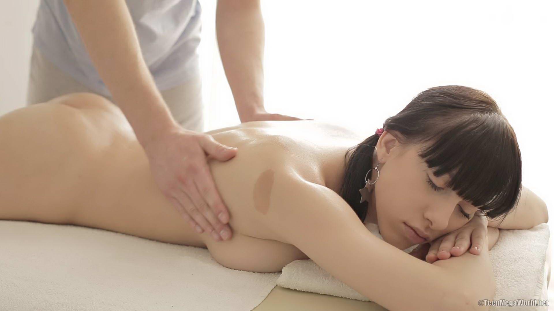 Outcall premium asian massage